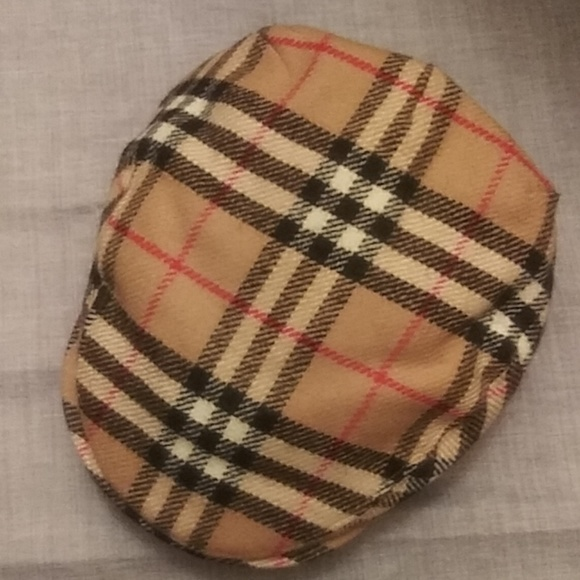78b516e95ef Burberry Other - Burberry Vintage Wool Newsboy Hat